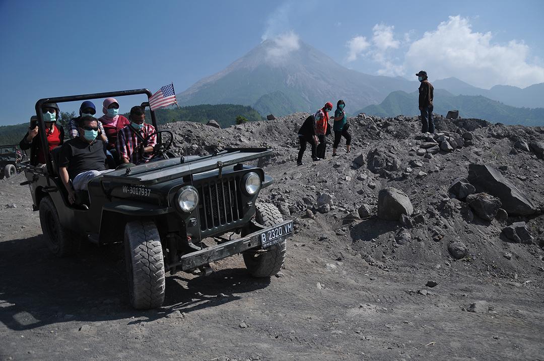 wisata gunung merapi jogja Lava Tour Offroad Seru Di Kaki Gunung Merapi Pesona Indonesia